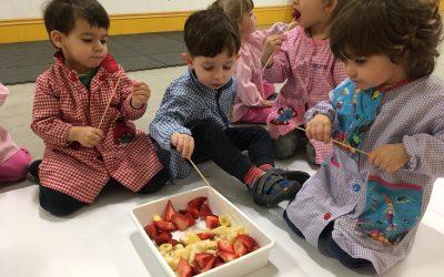 2 AÑOS | Jugando con fruta